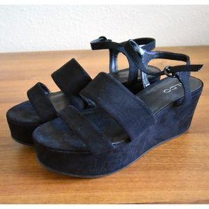 Aldo Chunky Black Strap Sandals